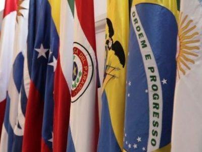 Los principales riesgos para América Latina en el 2021 · Radio Monumental 1080 AM