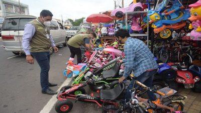 «La Municipalidad no cobra por espacios a sus vendedores»