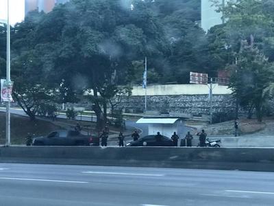 Fuerzas del régimen de Nicolás Maduro rodean la residencia de Juan Guaidó en Caracas