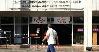 La Nación / Ande cortará el servicio a 120 mil usuarios con cinco facturas sin pagar