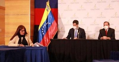 La Nación / Venezuela: Guaidó sostiene congreso paralelo ante nuevo Parlamento del chavismo