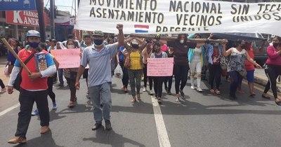 La Nación / Manifestantes imputados: denuncian persecución por parte del intendente de Itauguá