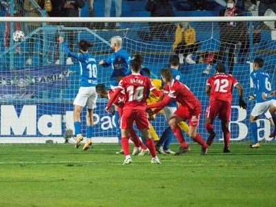 El Sevilla resuelve en momentos psicológicos