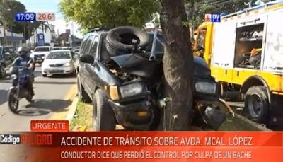 Bache y falta de respuesta de freno provocan accidente sobre Mcal. López