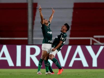 Palmeiras golea a River Plate a domicílio