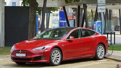 Más del 50% de los vehículos vendidos en Noruega en 2020 fueron 100% eléctricos