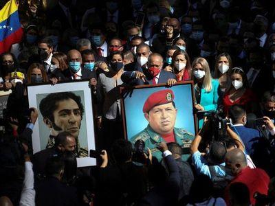 Chavistas retoman el control del Congreso y Guaidó busca resistir