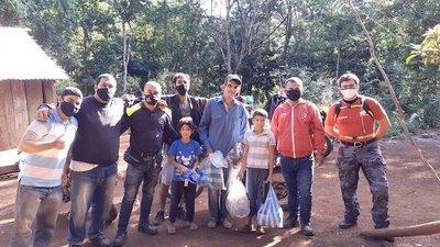 """Crónica / """"Reyes"""" viajeros visitan a los """"peques del bosque"""""""