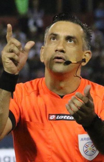 Esteño es árbitro FIFA