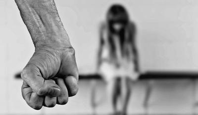 HOY / Casi mata a golpes a su pareja: detienen a un hombre por intento de feminicidio