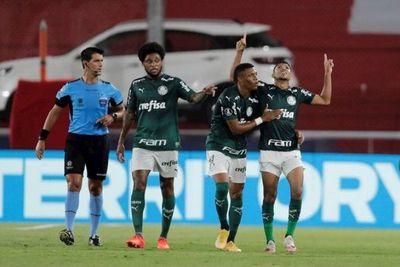 Palmeiras golea a River Plate y acaricia la final