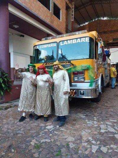 Bomberos de Lambaré reparten regalos y comparten ilusión por Reyes Magos
