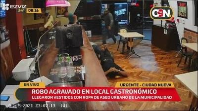 Robo agravado en local gastronómico: CCTV captó el violento momento