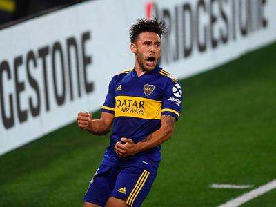 Boca Juniors y Santos juegan en la Bombonera