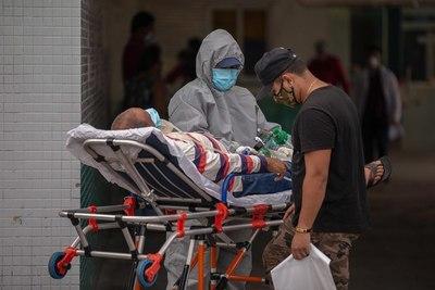 Manaos sufre segundo colapso por el coronavirus en Brasil