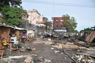 Incendio en zona del Cabildo: buscan un terreno para construcción de viviendas populares definitivas
