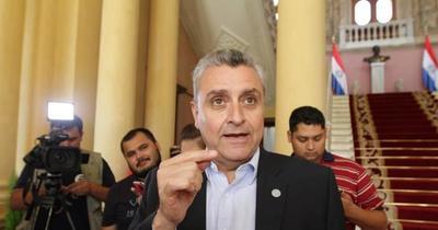 Villamayor, contra su propio Gobierno