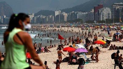 """Más de 2.900 paraguayos están de vacaciones en Brasil donde ya circula la nueva """"cepa"""" del covid-19"""