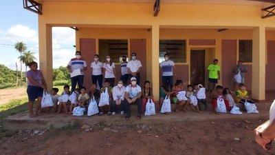 """""""Esperanza Deportiva"""" llegó en el Día de Reyes a comunidades indígenas y barrios de Asunción"""