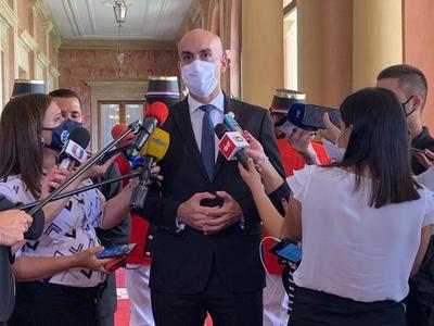Ministro insiste en el cumplimiento vigente de las normas sanitarias