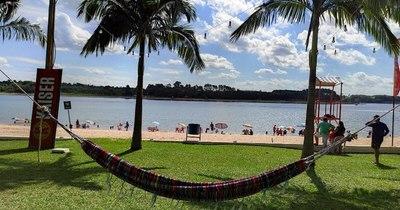 La Nación / Destino LN: Juan E. O'Leary, sus playas a orillas de un lago artificial invitan al relax en estas vacaciones
