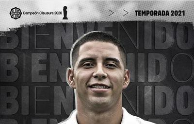 Jordan Santacruz firmó por 3 años con Olimpia