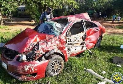 """Conductora """"tragó"""" una curva, volcó y murió en la ruta Paraguarí – Villarrica •"""