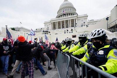 Tensión en Washington: el Senado de EEUU entró en receso por los disturbios ante las puertas del Capitolio