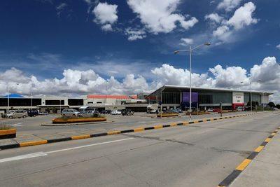 Bolivia amplía la restricción de los vuelos procedentes de Europa hasta febrero