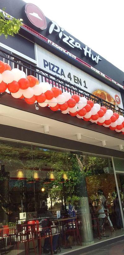 Pizza Hut inaugura nueva sucursal, en Capiatá