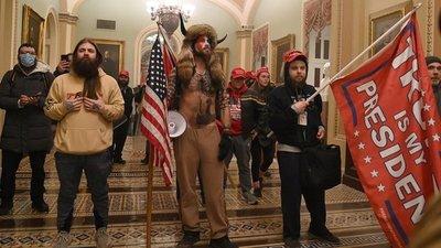 Seguidores de Trump irrumpen en el Capitolio y obligan a suspender la certificación de la victoria de Joe Biden