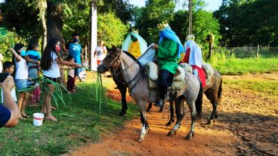 Niños de Misiones celebran el Día de los Reyes