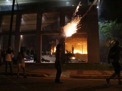 """""""Si el asalto fuera en Paraguay se llamaría golpe de Estado"""", dijo analista estadounidense"""