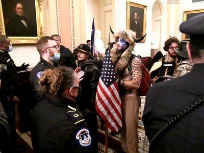 Líderes mundiales condenan ataque al Capitolio en Estados Unidos