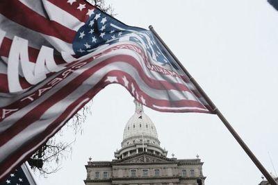 Senado de EE.UU. vuelve a reunirse para certificar triunfo de Biden
