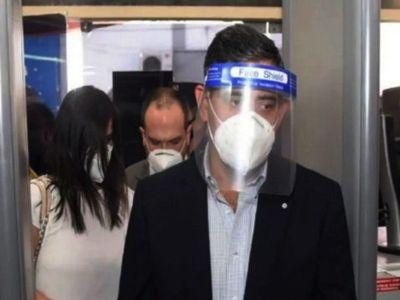 Clan Ferreira rebota en su intento de querer  importar vacunas Covid