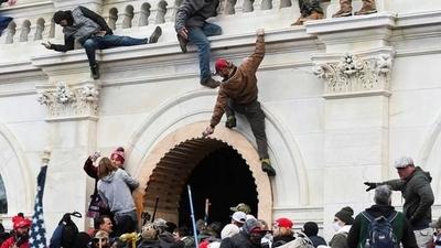 HOY / EEUU rechaza  objeción al resultado de elecciones, asalto al Capitolio dejó 4 muertos