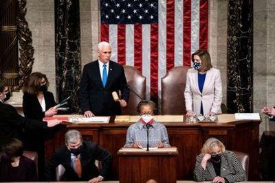 Tras una violenta jornada en Washington, el Congreso certificó a Joe Biden como presidente de Estados Unidos