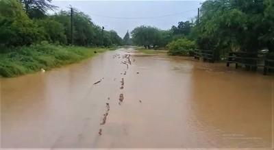 Loma Plata: reportan viviendas inundadas tras lluvia