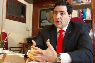 """""""Villamayor no debe seguir como Jefe de Gabinete Civil"""", afirma abogado · Radio Monumental 1080 AM"""