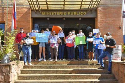 Familiares de niña arrollada siguen movilizados en Villarrica