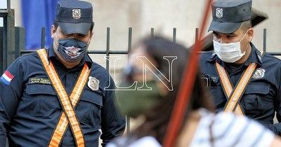 La Nación / Reclaman falta de pago de bonificaciones adicionales a personal policial y militar