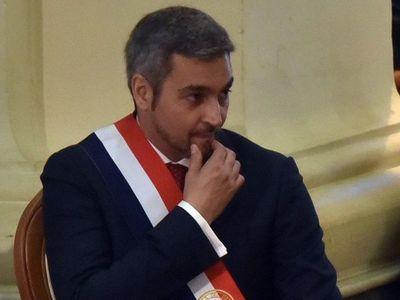 """Los """"acuerdos"""" que ponen en aprietos al gobierno de Mario Abdo"""