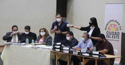 La Nación / Prieto ordena despido masivo por caducidad de expediente y gremio dará pelea
