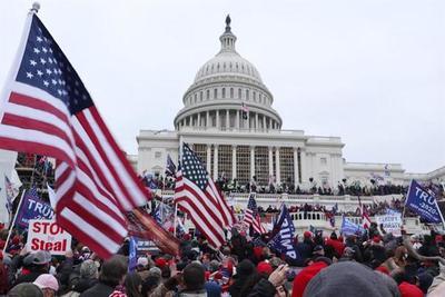 """Para el Vaticano, los disturbios en en el Capitolio muestran una """"democracia herida"""""""