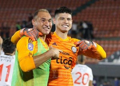 Azcona negocia y podría jugar Copa con un nuevo club