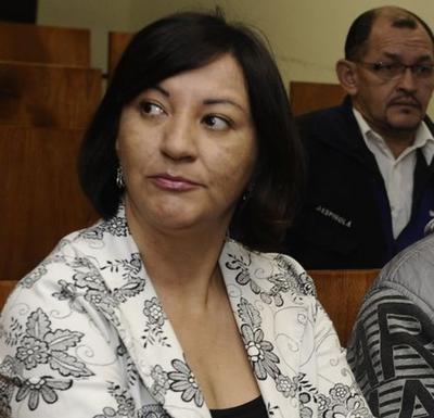 Renuncia abogada de Carmen y Laura Villalba