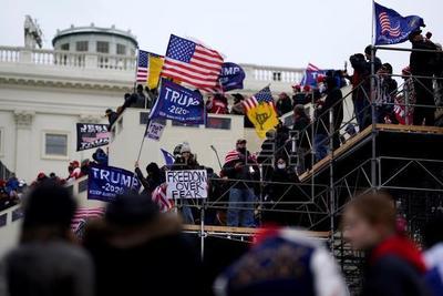 Wall Street condena la intrusión al Capitolio y se espera que vuelva la calma con asunción de Biden