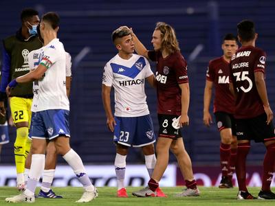 Los árbitros para las revanchas de las semifinales de la Sudamericana