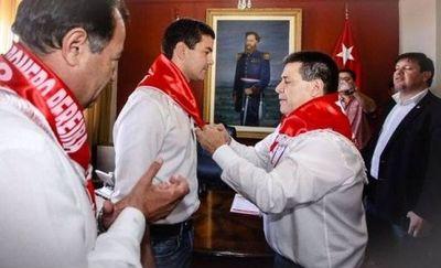 Hasta tengo pena por la gestión del Gobierno, dice Santiago Peña